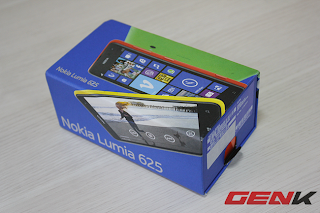On hand smartphone Nokia Lumia 625, Price $ 270,  4.7 inch big screen