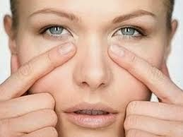 Cara menghilangkan kantung mata sacara alami