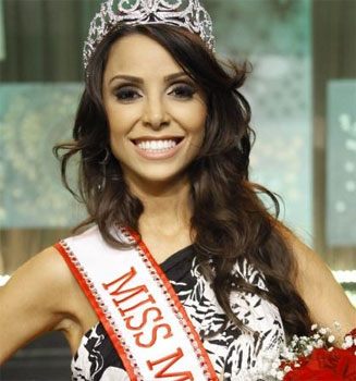 24 year-old Izabela Drumond was crowned Miss Minas Gerais Universe 2011 in Belo Horizonte