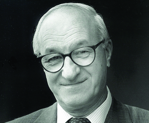 albert bandura Albert bandura oc (/ b æ n ˈ d ʊər ə / born december 4, 1925) is a psychologist who is the david starr jordan professor emeritus of social science in psychology at stanford university for almost six decades, he has been responsible for contributions to the field of education and to many fields of psychology, including social cognitive.