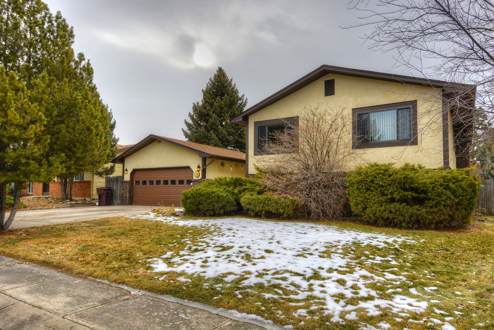 Great Home For Sale In Colorado Springs In Vista Grande Boasting 4  Bedrooms, 2 Bathrooms, Oversized 2 Car Garage And Over 2,000 Square Feet.