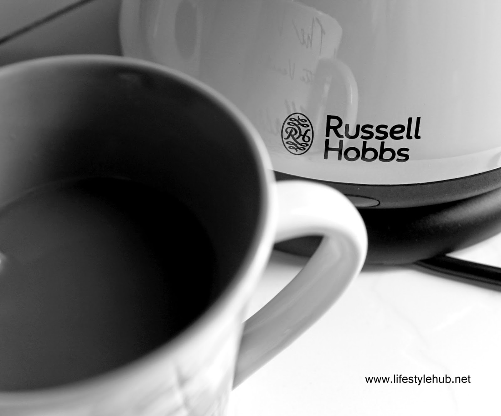 russell hobbs heritage country cream kettle