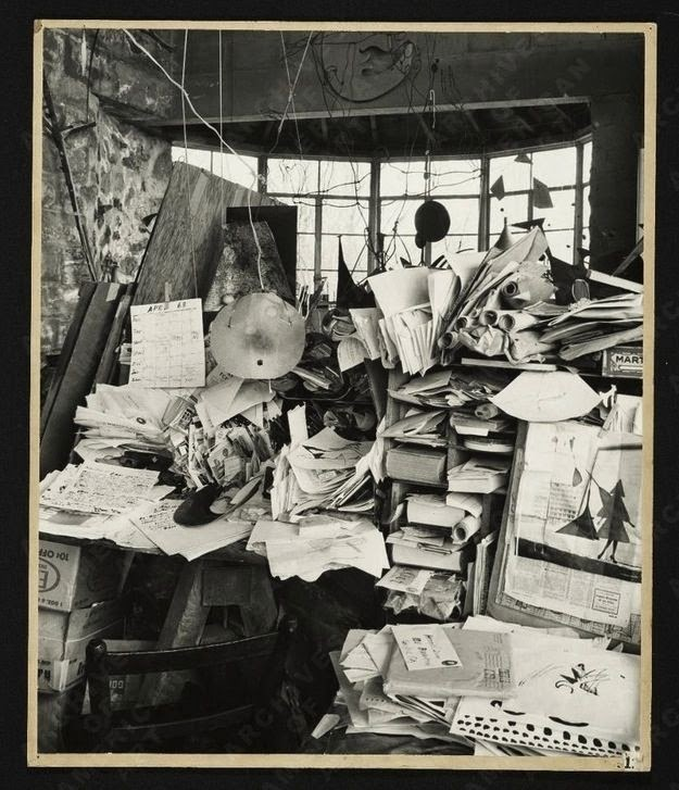 Workspaces Of The Greatest Artists Of The World (38 Pictures) - Alexander Calder, sculptor