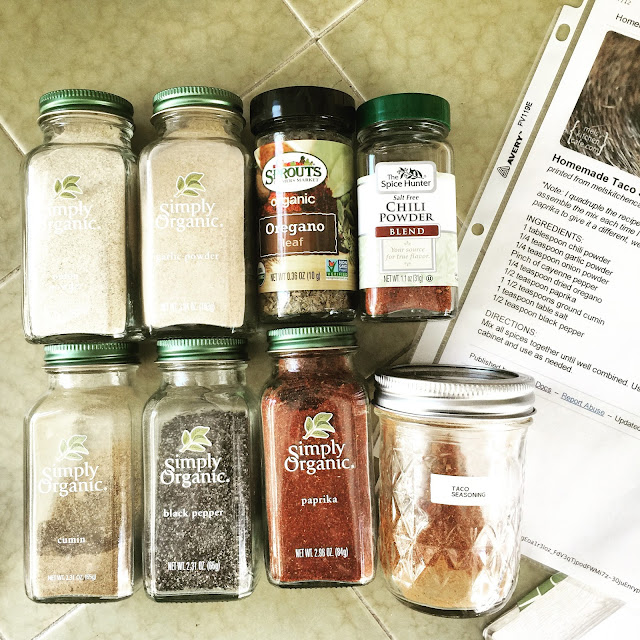 15 Easy Meal Planning Meals :: OrganizingMadeFun.com -- Taco Seasoning