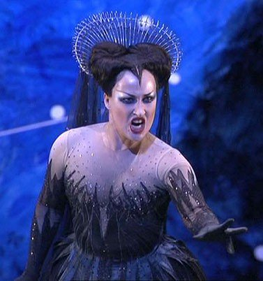 queen of the night aria natalie dessay Several of these pieces are in queen of the night territory, with not just  this  1994 release by french soprano natalie dessay, just hitting the very top of her.