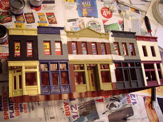 Masking Walthers Merchant&#8217;s Row 1 building for painting