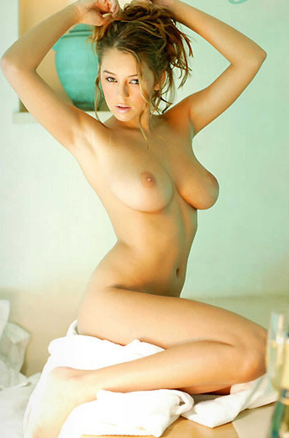 cassandra petersons nude photos