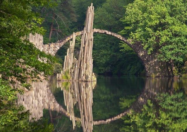 Jembatan Indah Rakotz di Jerman