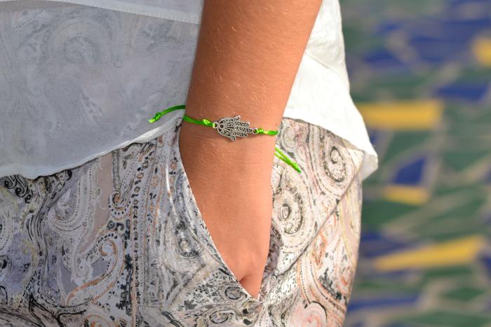 look_outfit_verano_gafas_espejo_knockaround_sandalias_glitter_lovelypepa_nudelolablog_02