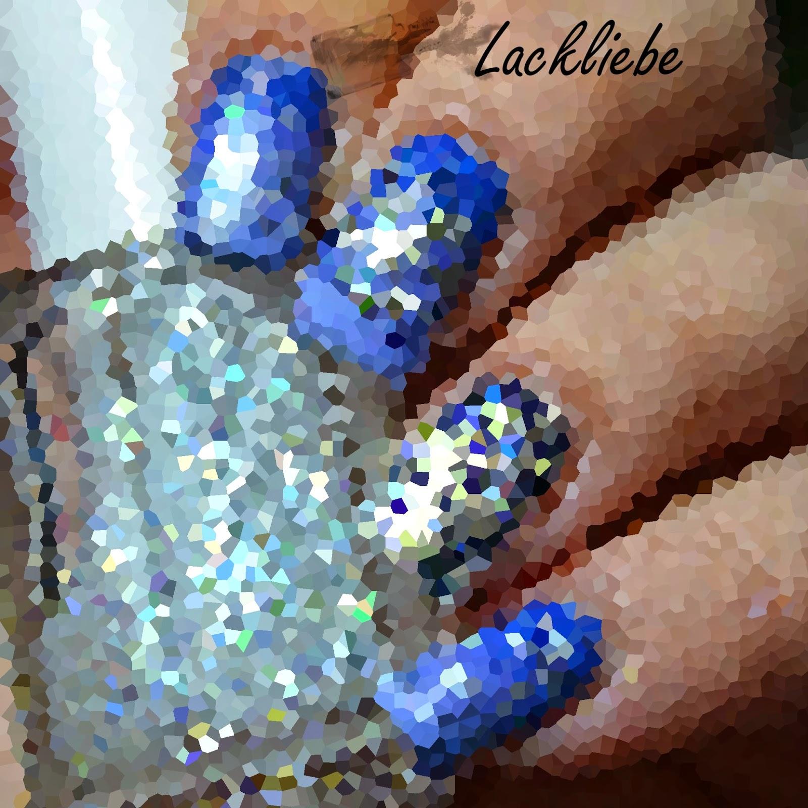 http://rainpow-nails.blogspot.com/2014/12/weihnachtszeit-schneeflocken.html