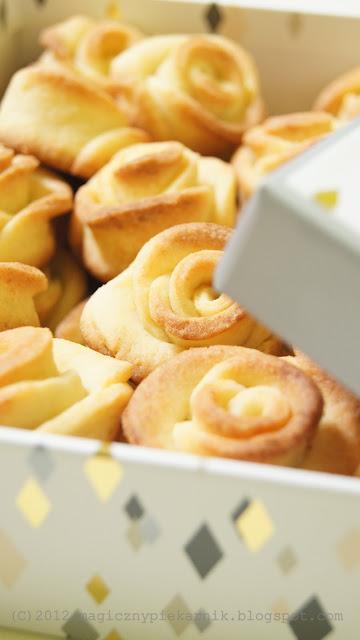 Ciasteczka w kształcie róży