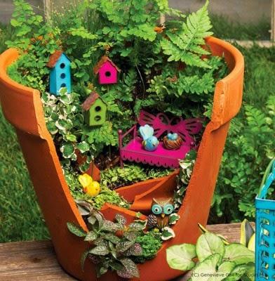 عمل تجميل للاواني المكسورة broken-pot-fairy-garden-23-392x400.jpg