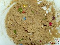 Cookies de lacasitos-nueces y lacasitos mezclados
