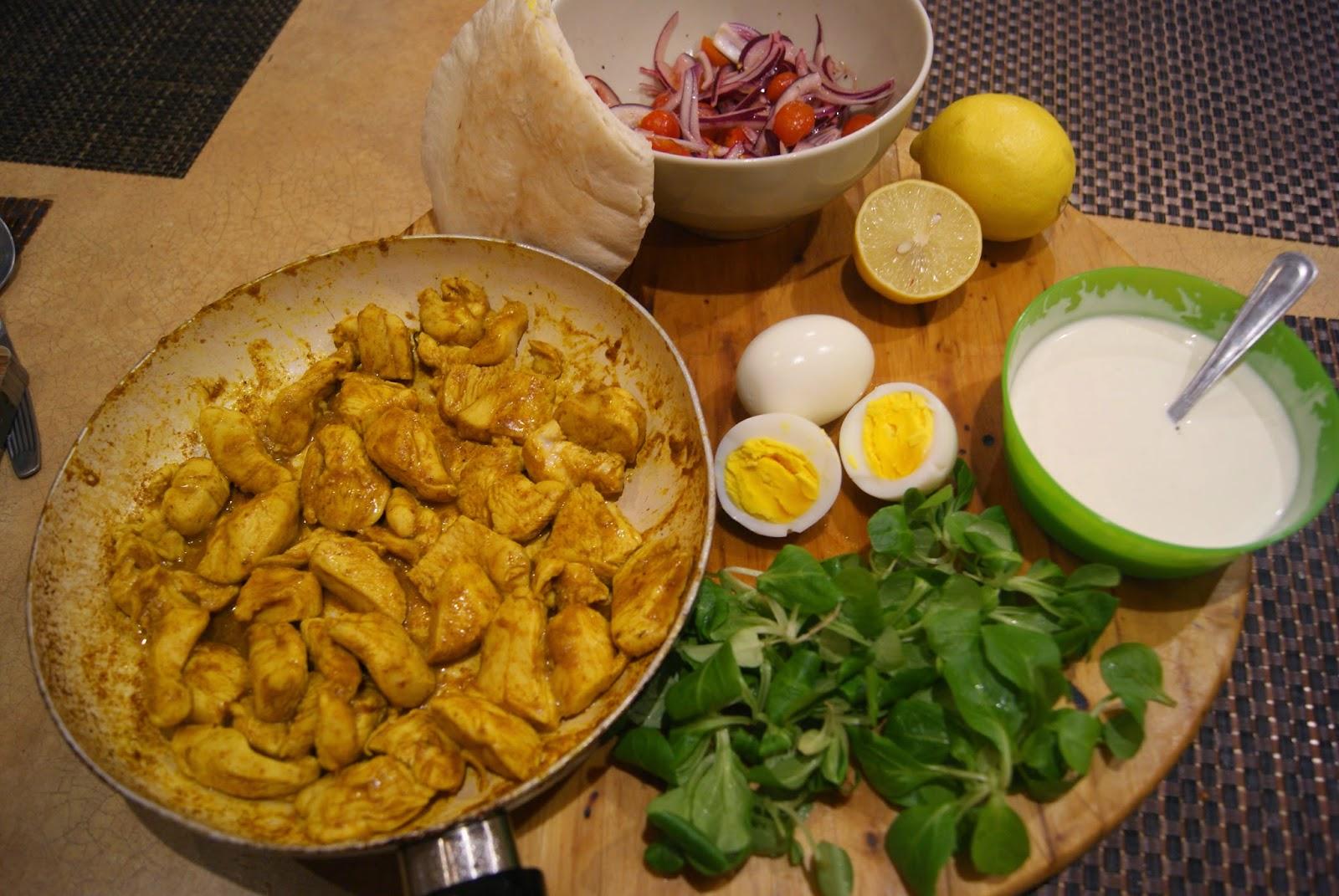 Kebab pita curry