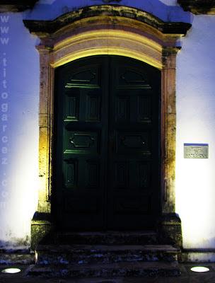 Porta do Museu de Arte Sacra de São Cristóvão, em Sergipe - Por Tito Garcez