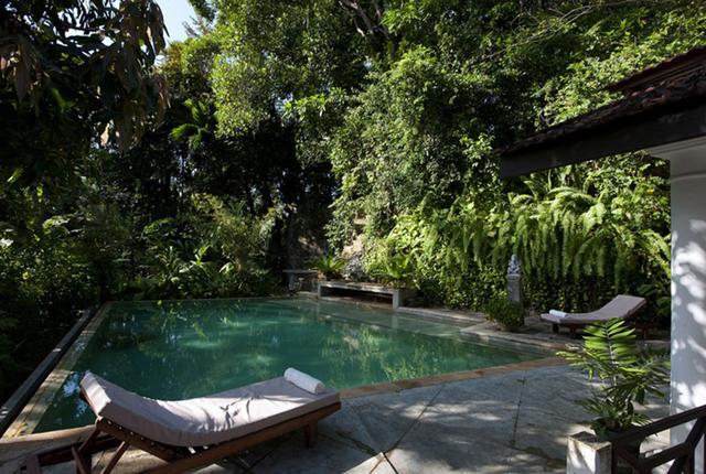 Milowcostblog sue o con piscinas verdes for Como recuperar agua piscina verde