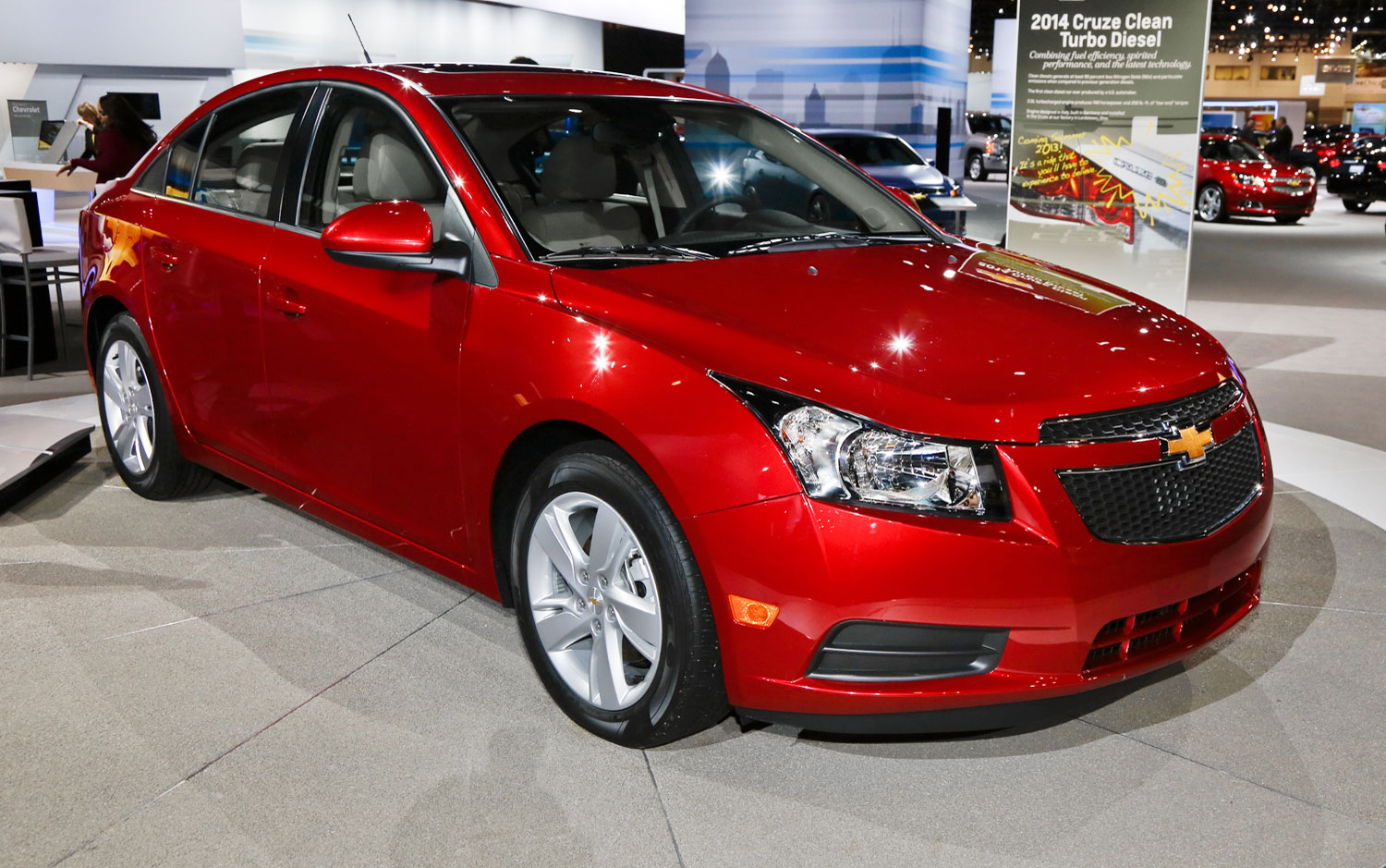 cars model 2013 2014 2014 chevrolet cruze 2 0td first look. Black Bedroom Furniture Sets. Home Design Ideas