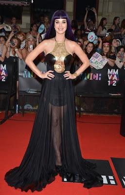 Artis Katy Perry Mengenakan Gaun Transparan Dalam Acara MuchMusic Awards