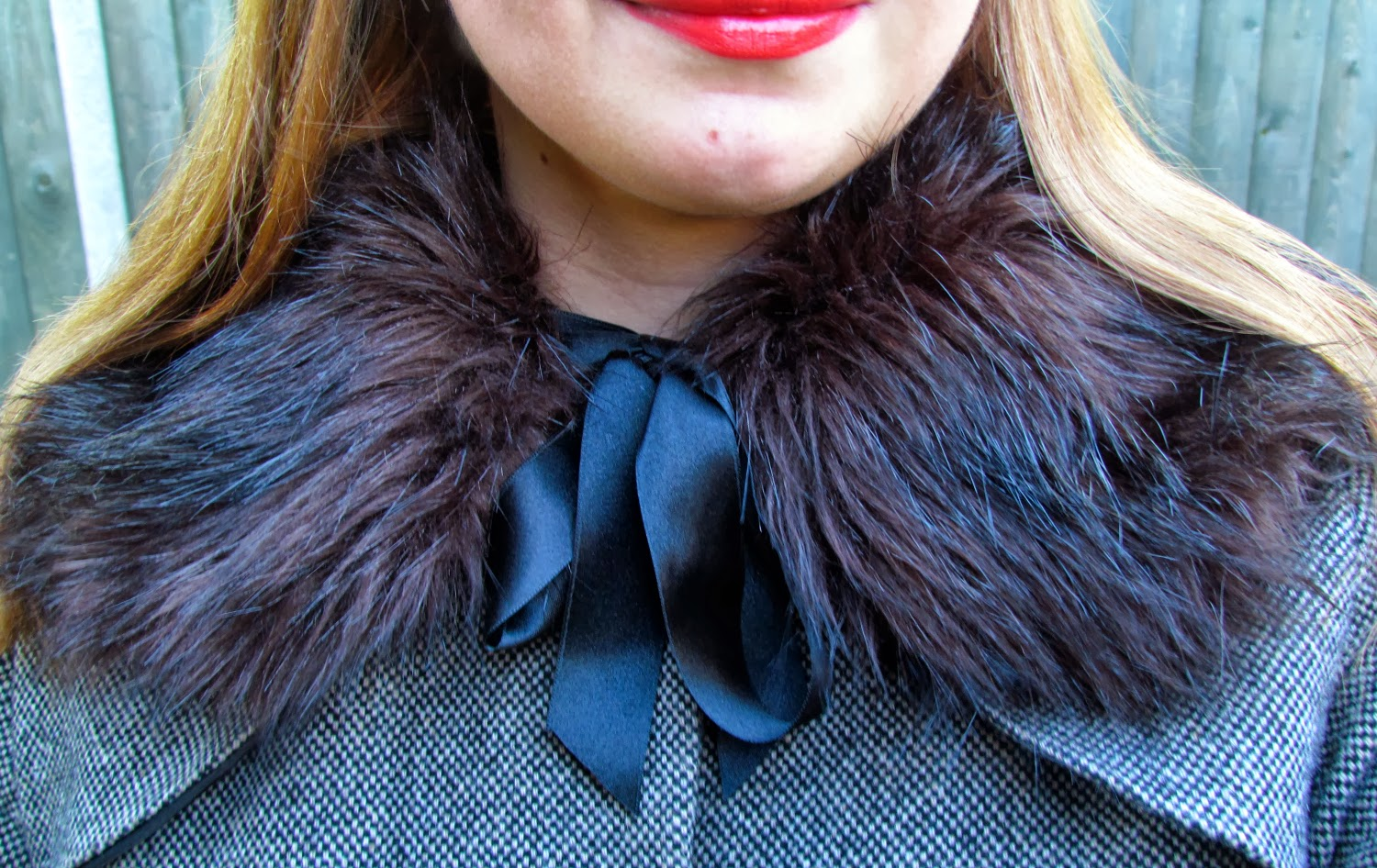topshop-collar-scarf-fur-accessory-outfit-fashion-blogger