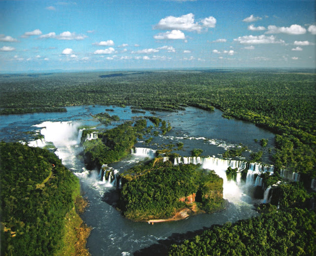 Beautiful Places To Visit And See Iguazu Falls