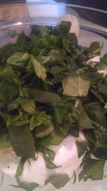 Cheesy Spinach Artichoke Garlic Dip | Meemaw Eats