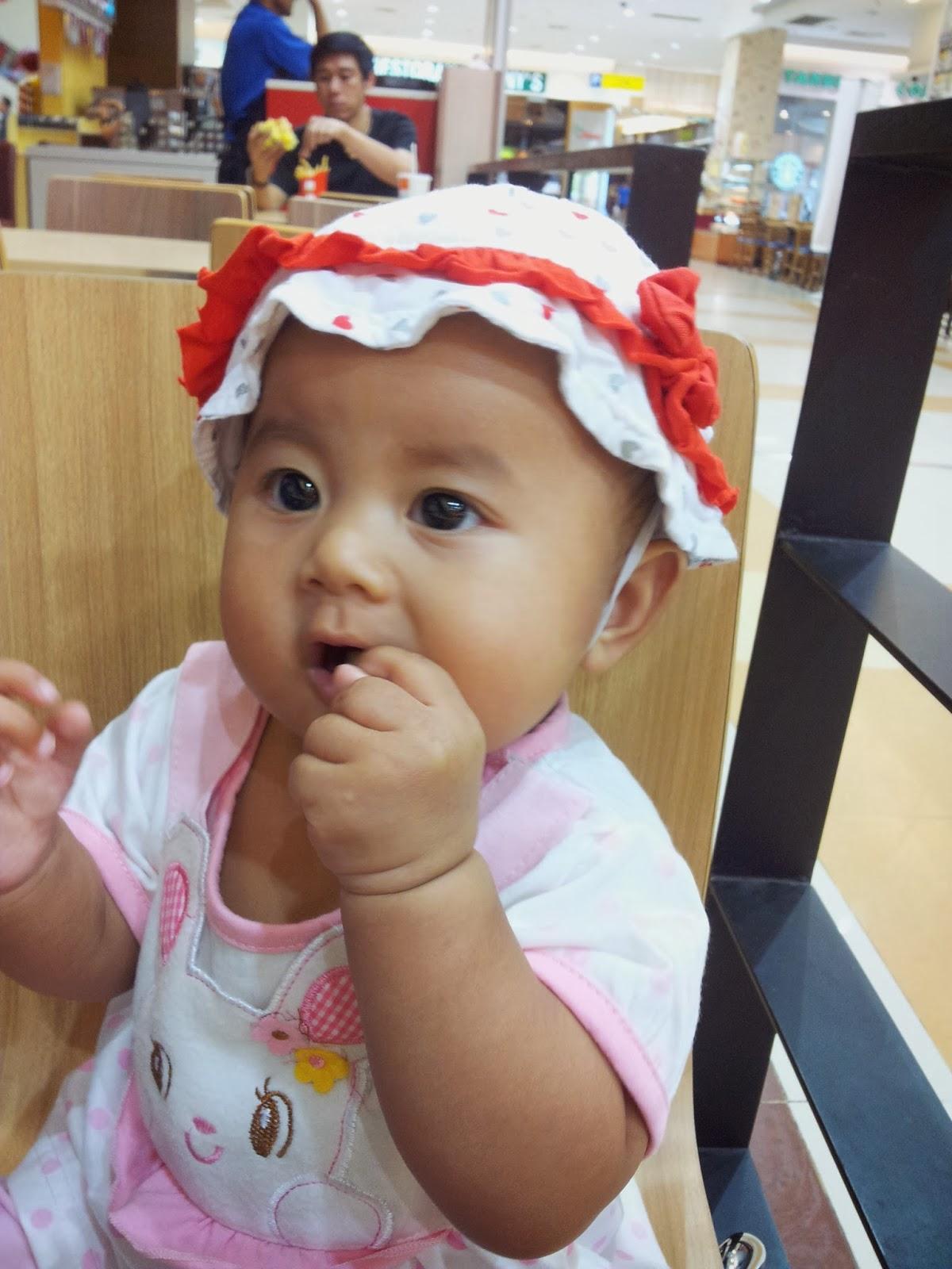 Bayi 9 Bulan Makan Ice Cream