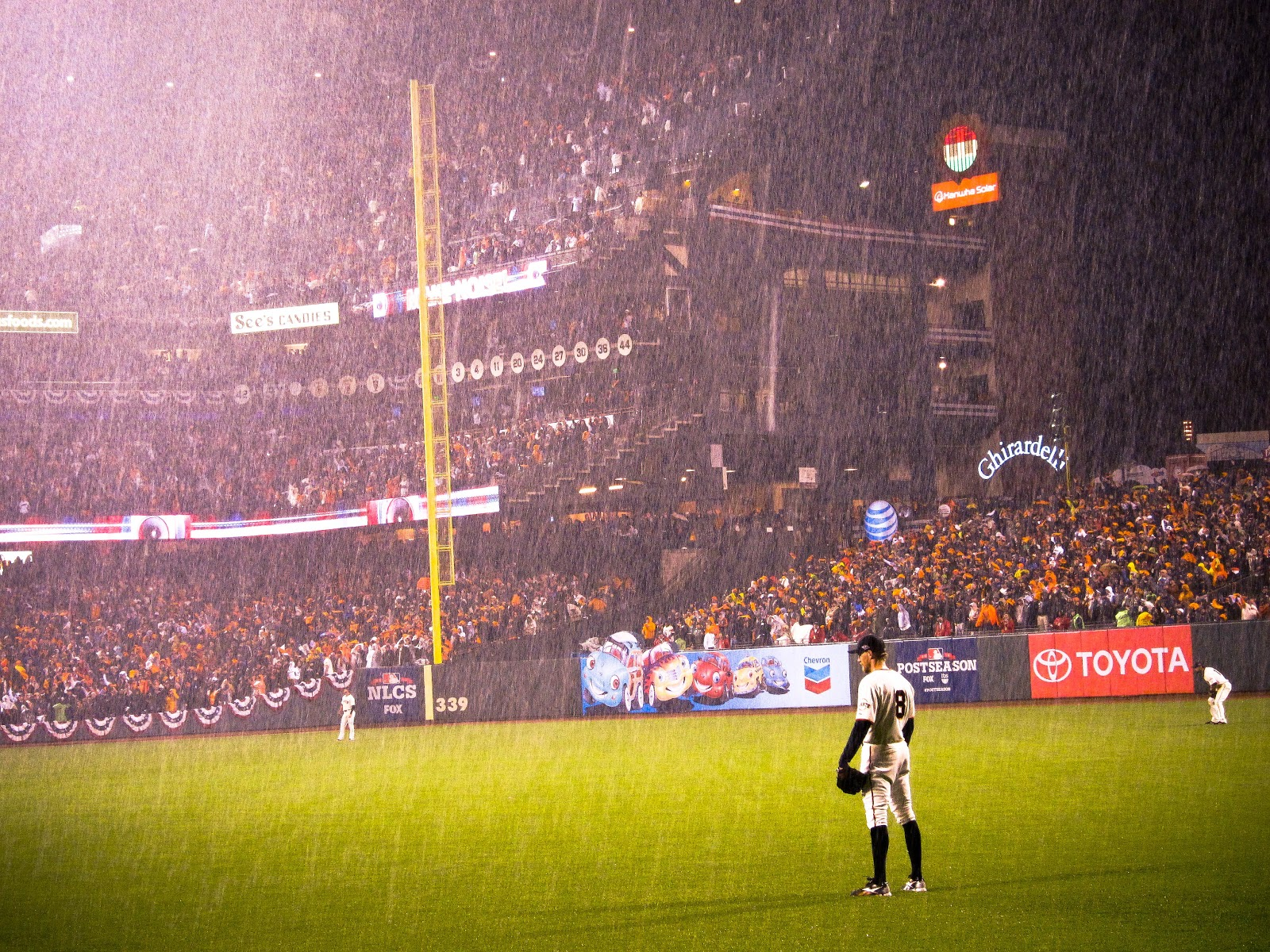 Hunter Pence Stands In Right Field Amid A Downpour Photo By Joe Sciarrillo