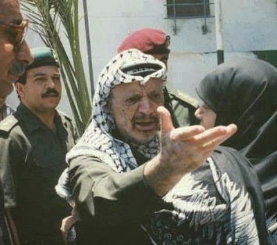 ما سبب غضب الرئيس ياسر عرفات في هذه الصورة