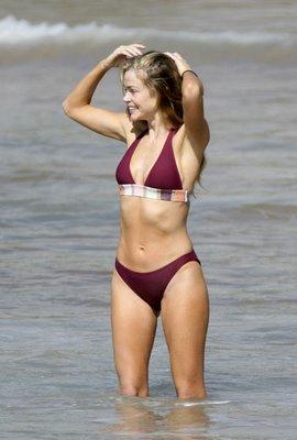 Alissa Milano Bikini 47