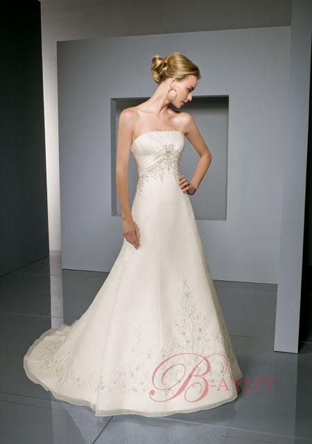 robes de mariage robes de soir e et d coration robe de mari e bustier en satin. Black Bedroom Furniture Sets. Home Design Ideas