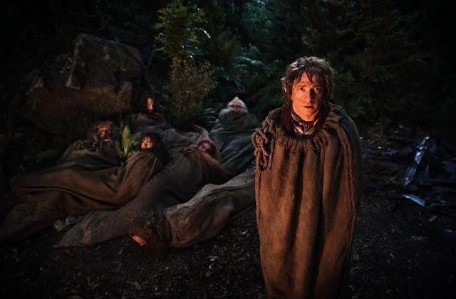 the hobbit, bilbo in nap sack