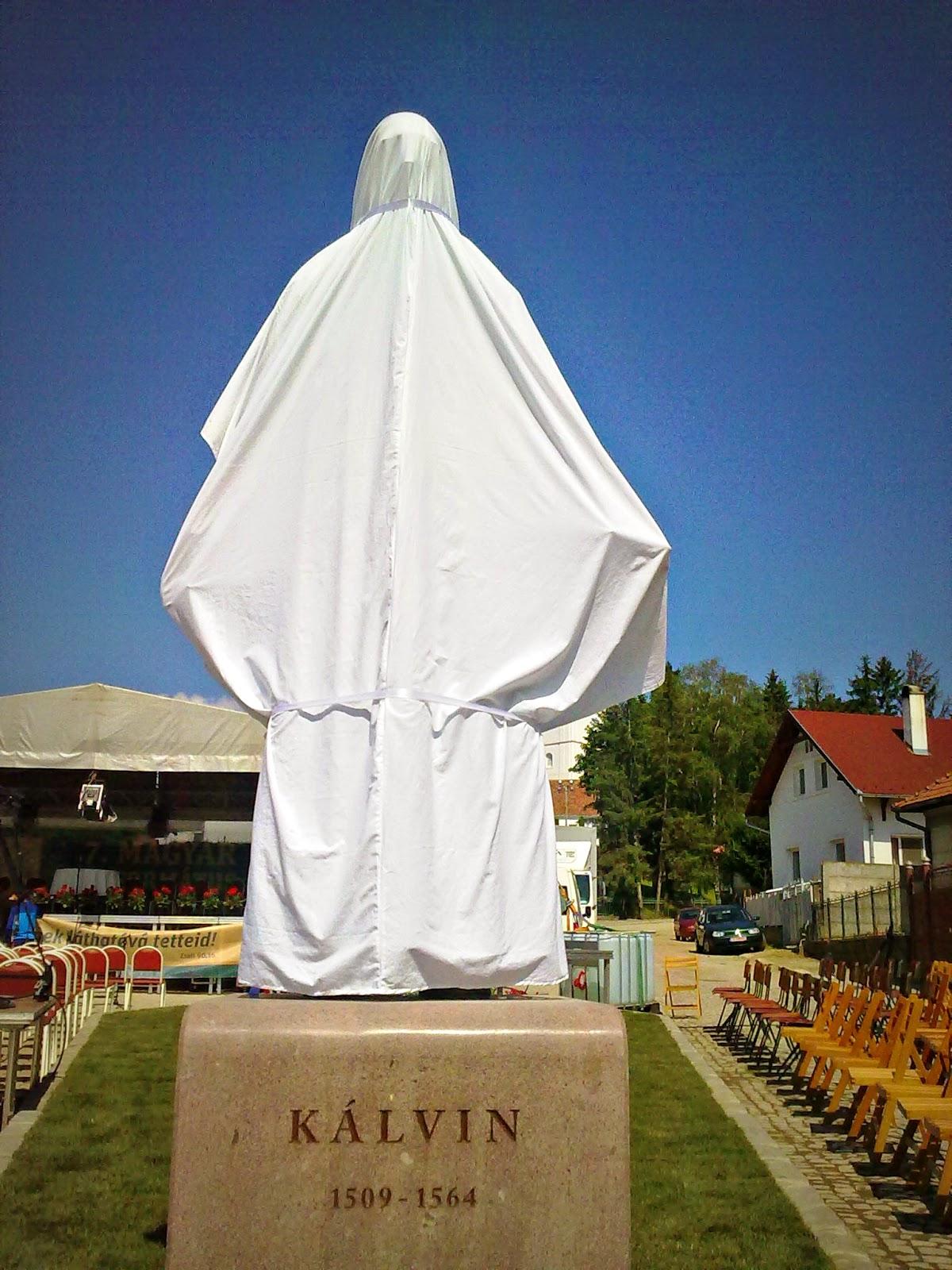 magyar reformátusok világtalálkozója, Sepsiszentgyörgy, Kálvin-tér, Kálvin-szobor