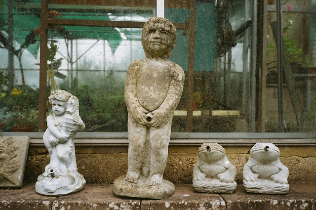 WALMER, KENT 2015 © VAC, garden centre, garden features, water features, statues