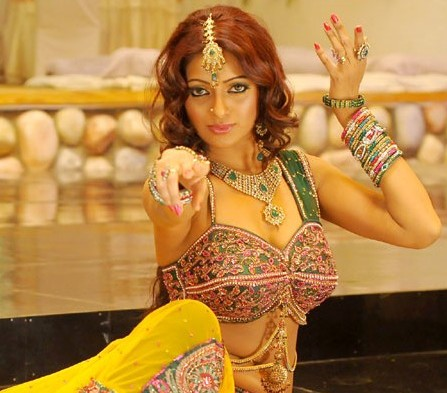 Udhaya Bhanu Spicy Pictures wallpapers
