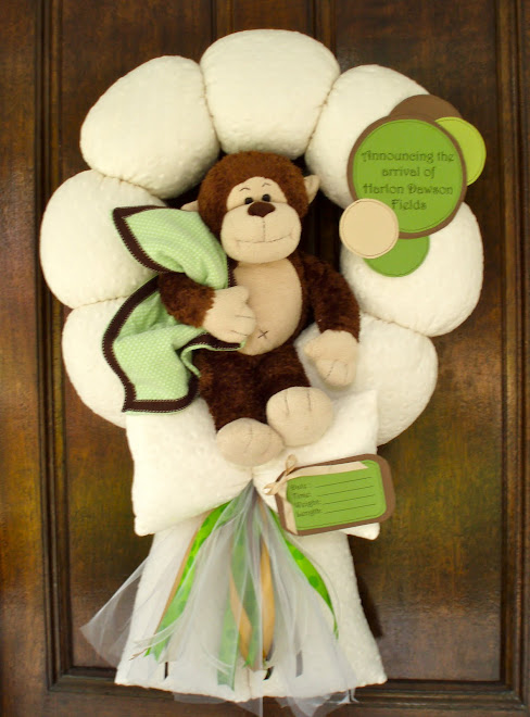"58. CUSTOM ""MOD POD POP"" MONKEY WREATH"