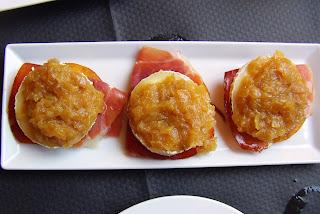 Noreña, Ca Sabi, Tortinos de maíz con queso de cabra