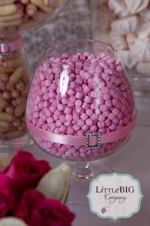 bomboniere de vidro com balas