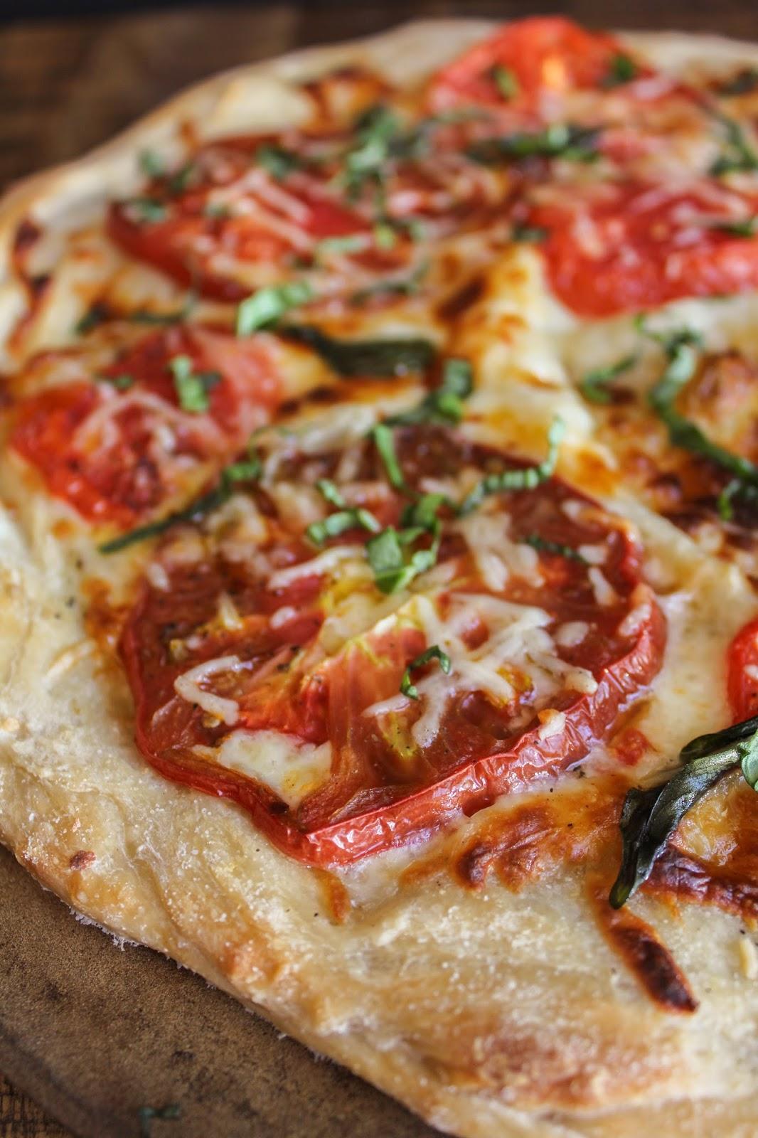 Heirloom Tomato & Basil Pizza