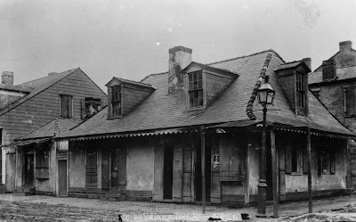Myth busters lafitte 39 s blacksmith shop oldest bar for 1895 cajun cuisine and pub