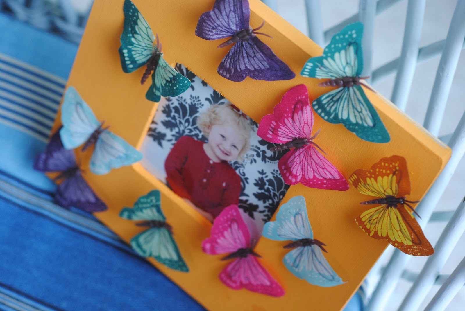 5 ways to decorate a craft frame kids craft ideas making lemonade craft idea 3 butterfly frame jeuxipadfo Choice Image