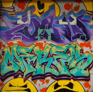 Graffiti tagging keep smile face