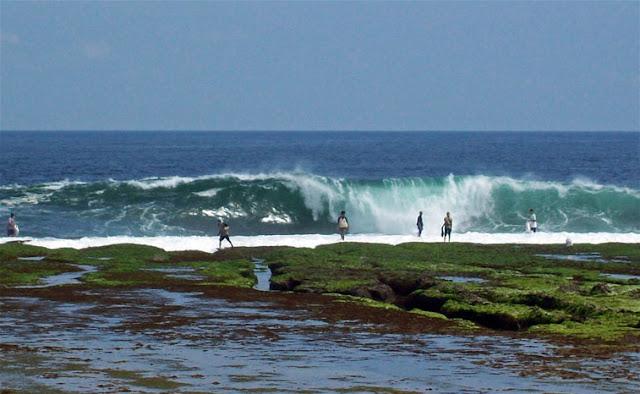 Tempat Wisata Pantai Pameungpeuk Garut Jawa Barat