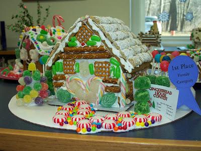 2011 gingerbread family category winner