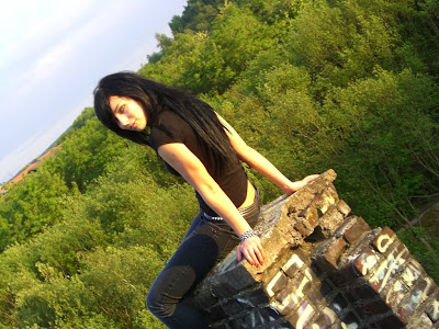 masha sedgwick old pictures früher emo 2007 2008 2009 now and then scene queen germany black hair