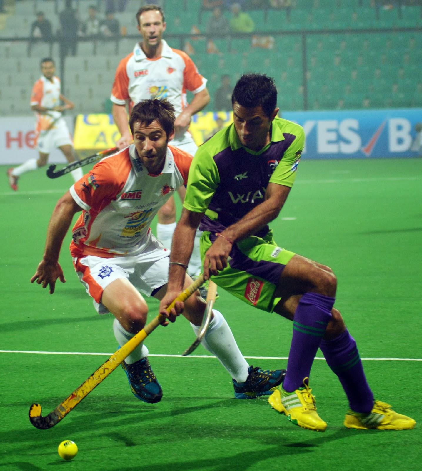 HHIL: Gurbaj Singh of DWR in action against Kalingh