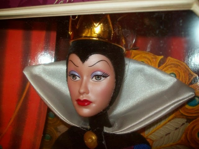Disney Signature Collection Evil Queen