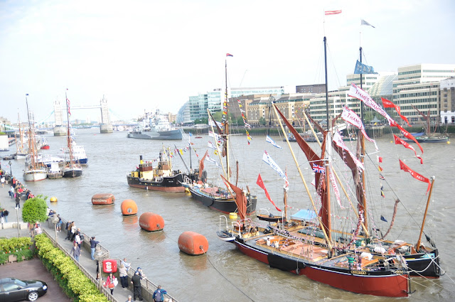 Queen+Jubilee+Thames+Pageant+Avenue+of+Sails