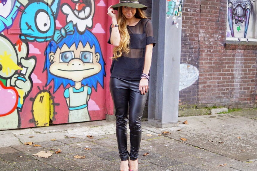 http://giientjeee.blogspot.nl/2015/01/see-trought-top-fake-leather-pants.html#more