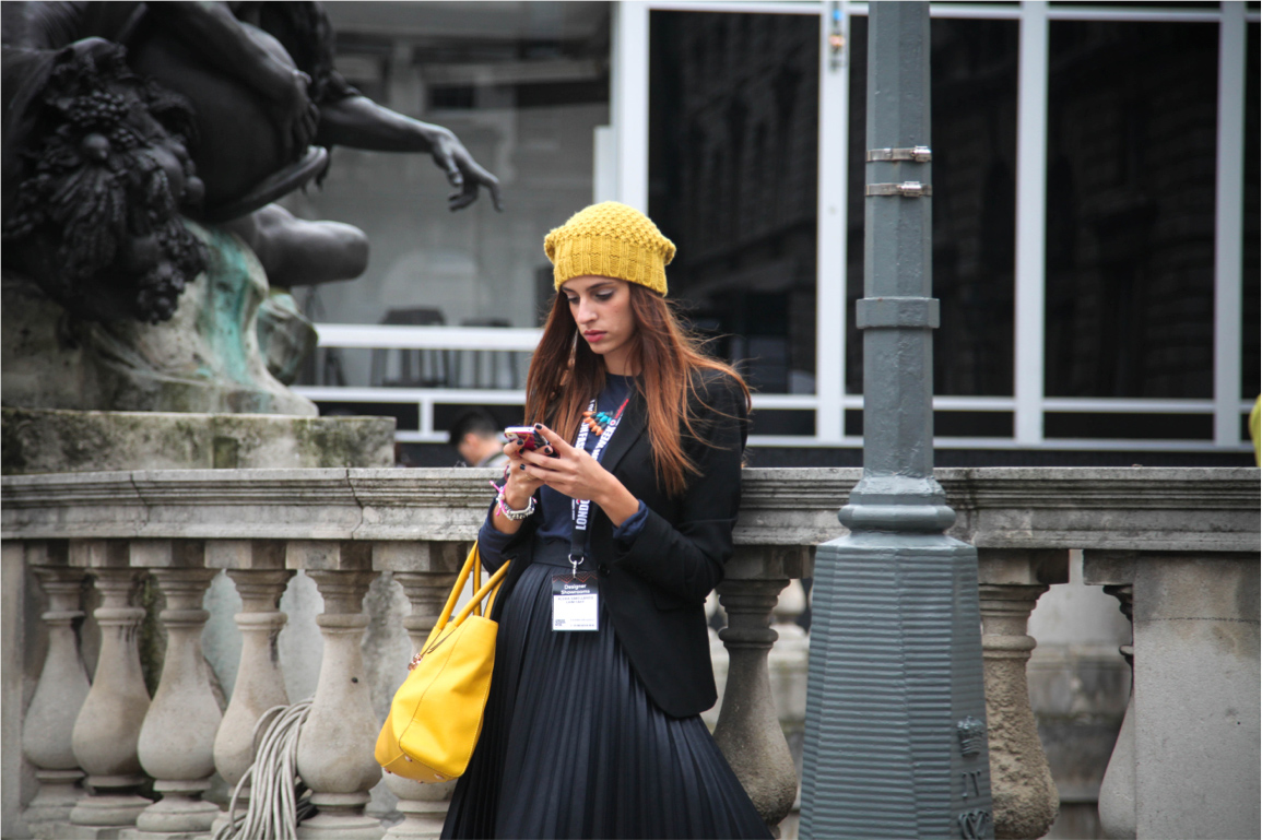 London Fashion Week streetstyle pop of colour yellow mustard
