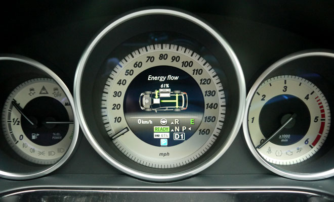 Mercedes-Benz E300 Hybrid instrument panel